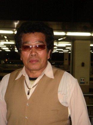 Korean subway, met Elvis's doppleganger.. though not wrong.. didn't feel right..