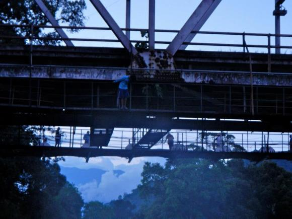 Bridge jumping in Venezuela