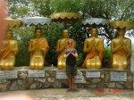 praying buddists