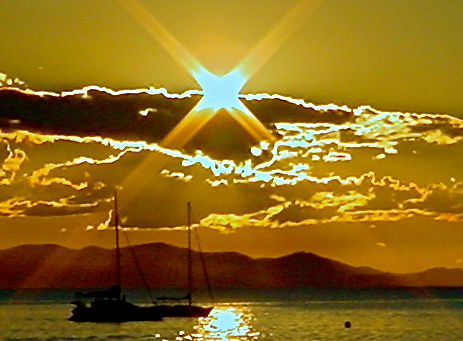 4 corner sun Australia